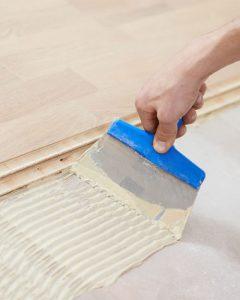 kleje-do-drewna-paneli